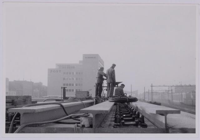 037255 - Spoorwegen: Hoogspoor (viaduct Heuvel)