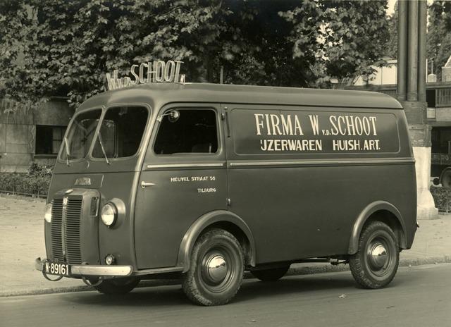 602694 - Reclame. Peugeotbusje van de Firma W. v.d. Schoot IJzerwaren en huishoudelijke artikelen