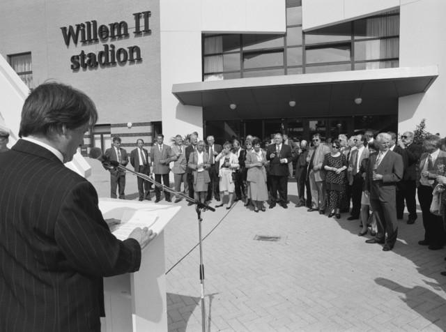 TLB023000862_001 - Toespraak bij de opening van het Willem II stadion.