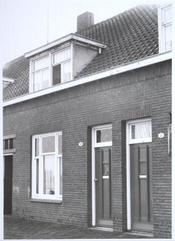 026710 - Pand Stokhasseltkerkstraat 9 medio 1965 dat moest verdwijnen in het kader van het uitbreidingsplan voor Tilburg-Noord. Tegenwoordig is dit de Mozartlaan