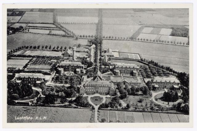 048653 - Luchtfoto van het complex van Huize Assisë aan de Hooghoutseweg