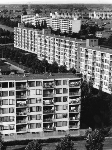 1238_F0363 - Luchtfoto's. Flats in Tilburg Noord