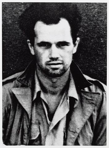 013754 - WO2 ; WOII ; Tweede Wereldoorlog. Verzet. Piloten. Bemanningslid Lorne Shetler, wiens vliegtuig op 25 mei 1944 crashte op de weg tussen Tilburg en Dongen. Hij werd krijgsgevangen genomen
