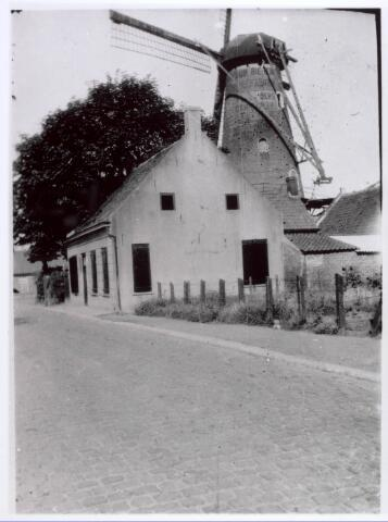 018148 - Houtzaagmolen van Mathijssen aan de Elzenstraat omstreeks 1930