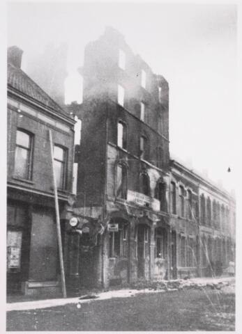 035195 - Brand: pand aan de Willem II-straat van van Loon Meelfabriek geheel afgebrand