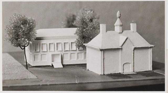 080533 - Maquette van vernieuwd Udenhouts gemeentehuis.