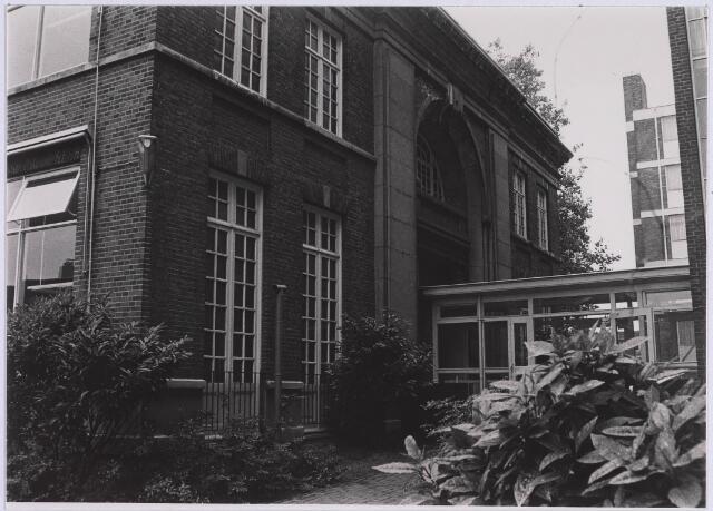 023101 - Voormalig woonhuis van burgemeester Van de Mortel aan de St. Josephstraat. De foto werd gemaakt op 12 juni 1982, twee dagen voordat het pand werd gesloopt