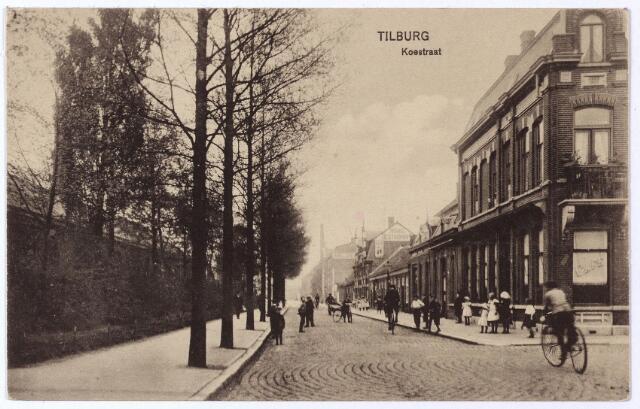 001689 - N.S.plein voorheen Koestraat. Rechts de ingang van de Enschotsestraat. Links de werkplaatsen van de N.S.