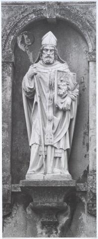 019127 - Beeld van St. Dionysius zoals dat staat op het zogenaamde ´norbertijnenpoortje´, behorende tot de voormalige pastorie van de parochie Goirke en dat als enige de sloop in 1927 overleefde. Norbertijnerpoort.