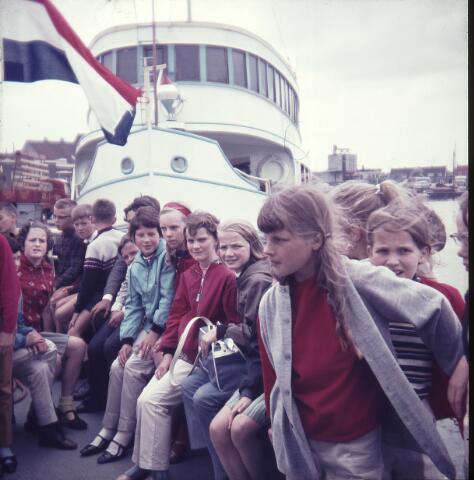 650156 - Gerardus Majellaschool, Hulten. Schoolreisje Nijmegen. Rond 1970.