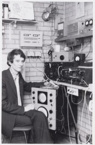101046 - A. van der Bemd, radiozendamateur.