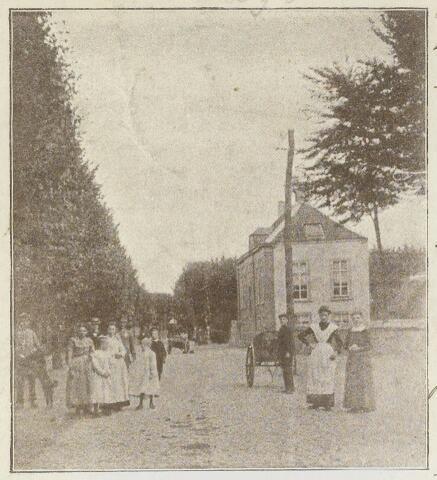 89095 - Het oude raadhuis van Terheijden op de hoek van de Raadhuisstraat, het Dorpsplein en de Markstraat