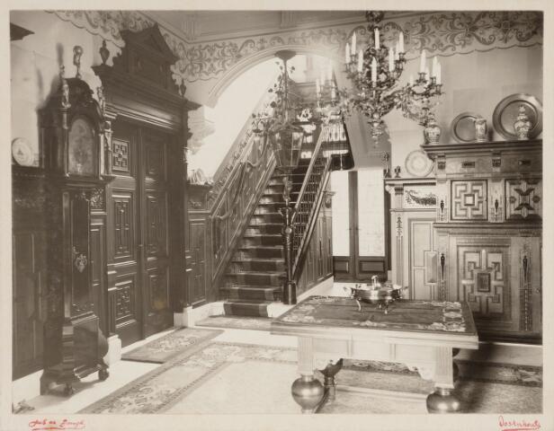 065409 - Interieur. Hal van villa Mathilda