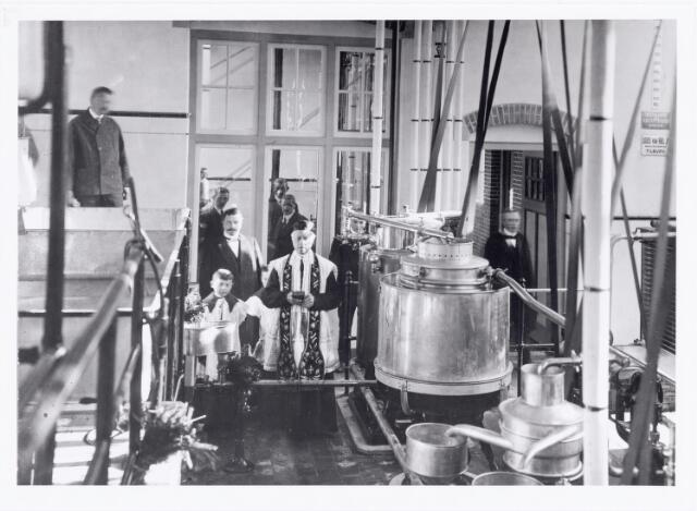 039588 - Zuivelindustrie. Opening van de Coöperatieve Tilburgse Melkinrichting en Zuivelfabriek C.T.M. aan het Wilhelminapark.