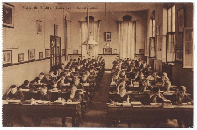 000166 - studiezaal in het missiehuis van de missionarissen van het H. Hart aan de Bredaseweg.