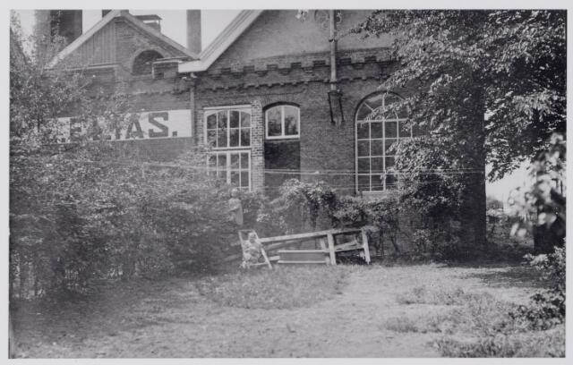 043945 - N.V. Lakenfabrieken v/h firma E. Elias aan de Industriestraat 19.