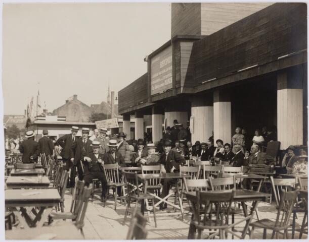 103810 - Internationale Tentoonstelling voor handel en Industrie gehouden van 18 juli - 18 augustus 1924 op een terrein gelegen tussen de Elzenstraat en Industriestraat. Stand Drukkerij Bergmans.