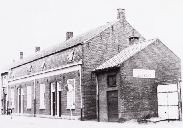 034389 - De panden Lijnsheike 96-102; thans heet dit deel van de straat Von Weberstraat. De meeste huizen aan het Lijnsheike zijn inmiddels gesloopt.