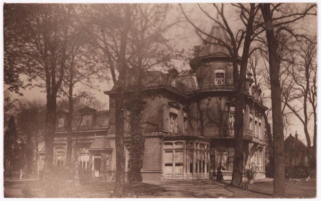 033268 - Voor- en zijgevel van villa Tivoli aan de Bosscheweg (nu Tivolistraat)