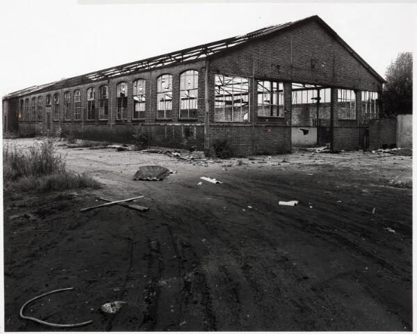033713 - Chemische industrie. Fabriek van Chemicaliën Franken-Donders United Aniline Works, later N.V. Frado genaamd. Het bedrijf werd in 1980 opgeheven en rond 1986 gesloopt.