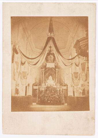 035893 - Interieur van de R.K. kerk van de H. Dionysius op het Heike, thans Stadhuisplein