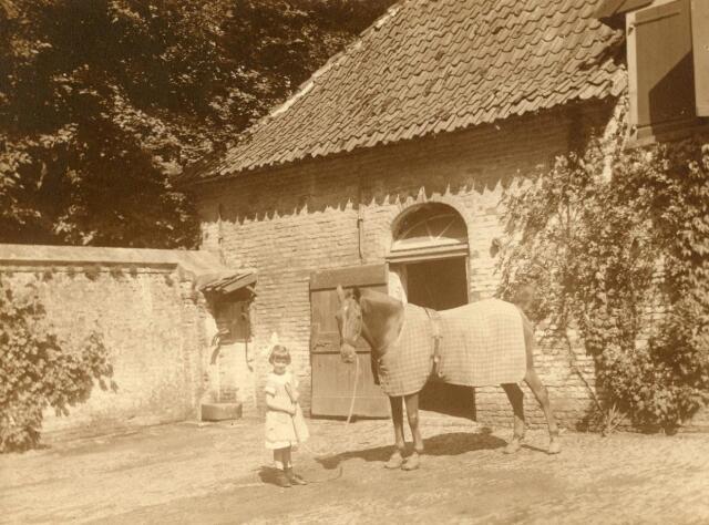 600688 - Kasteel Loon op Zand. Families Verheyen, Kolfschoten en Van Stratum