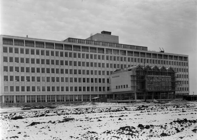 050697 - Mariaziekenhuis, ontworpen door architectenbureau Smijtink en de Groot te Amsterdam. Geopend 18 april 1966.