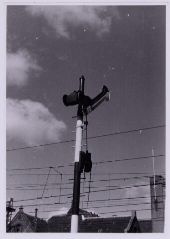 036833 - Spoorwegen: seinpaal