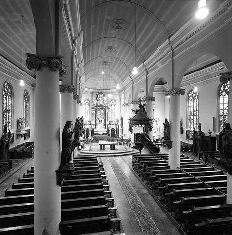 D-001243-2 - Interieur van de Heikese kerk (Sint-Dionysiuskerk)