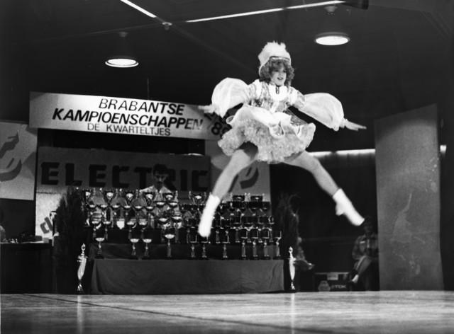 1238_F0097 - Brabantse Kampioenschappen 1988/1989. De Kwarteltjes. Dansmarieke