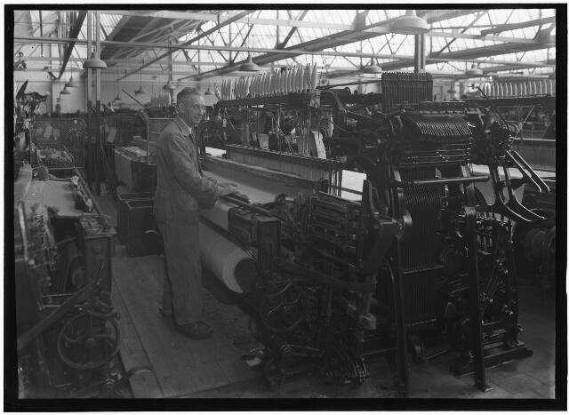 050914 - Textielindustrie. Interieur van Triborgh N.V. Wollenstoffenfabriek, Bisschop Zwijsenstraat 44.