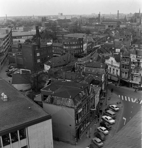 1237_013_068_003 - Oude Markt  Tilburg vanaf de Heikese Kerk