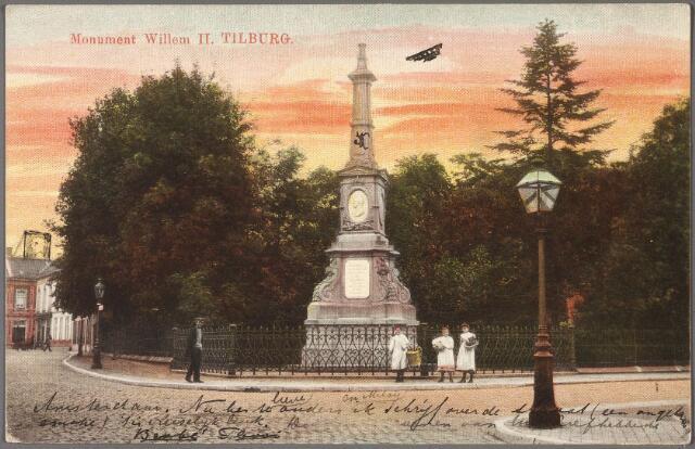 011032 - Gedenknaald voor koning Willem II op de hoek Monumentstraat-Paleisstraat.
