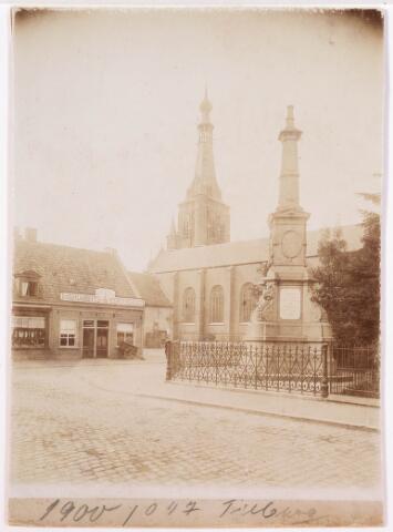 036022 - Gedenknaald koning Willem II, thans Stadhuisplein.