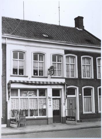 024395 - Café De Snor in de Korte bNieuwstraat. Onder een andere eigenaar ging het verder onder de naam Tumbler