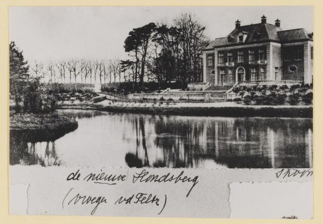 073954 - Hondsberselaan met Huize 'De Hondsberg'  een oude buitenplaats, met waterpartijen, bruggetje, kiosk, pension, restaurant, hotel en opvangtehuis voor slechtziende kinderen o.l.v. dr. Aussems.