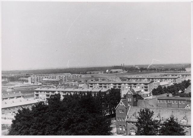 "036690 - Panorama van Tilburg vanaf de torenflat ""Vredeburcht """
