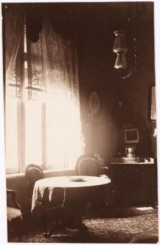 033293 - Detail van een slaapkamer in villa Tivoli.