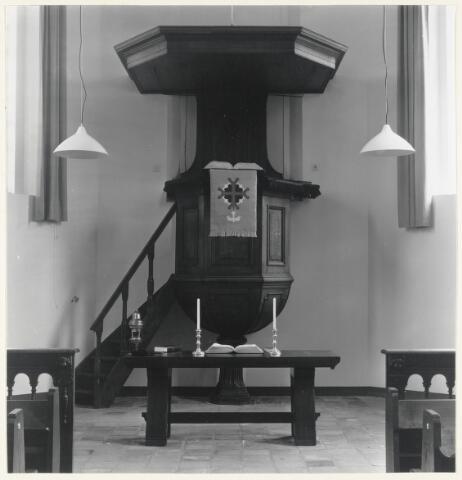 90749 - Made en Drimmelen. Preekstoel in de Nederlands Hervormde Kerk aan de Patronaatstraat.