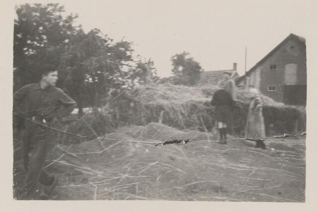 082209 - WOII; WO2; Schde door het bombardement bij de fam. van den Hout