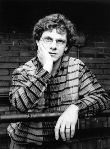 1238_F0272 - Jan Doms, directeur van de Tilburgse Kunststichting. Van 1979-2000.