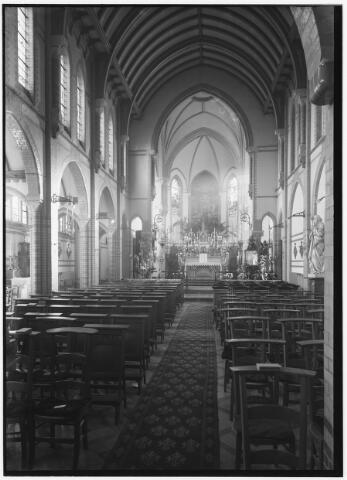 050954 - Interieur van de kapel van het Cenakel, versierd ter gelegenheid van de viering van de zaligverklaring van Maria Victoria Theresia Coudere, stichteres van de congregatie van de zusters van O.L.V. van het Cenakel.