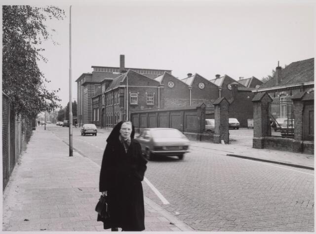 025116 - De Provinciale Noord-Brabantse Energiemaatschappij PNEM aan de Lange Nieuwstraat, gevestigd in het complex van de voormalige machinefabriek Deprez