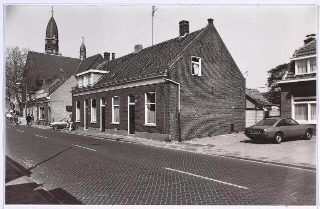 025002 - Panden aan de oostzijde van de Laarstraat nabij het kerkhof