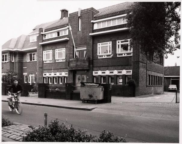 033402 - Tivolistraat 4-6, de Tilburgse Muziekschool, voorheen het conservatorium van de R.K. Leergangen.