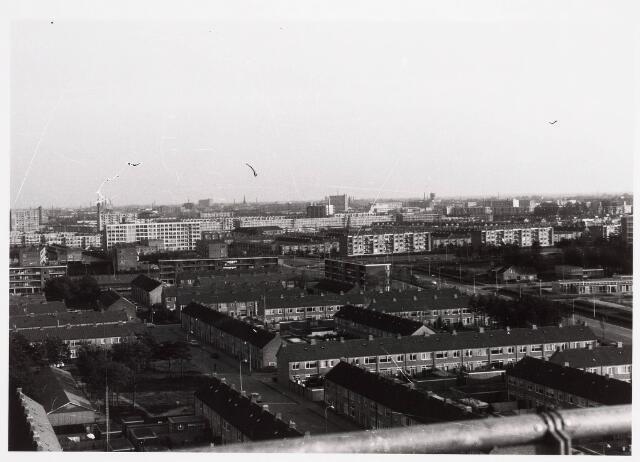 036560 - Panorama van Tilburg vanaf de flat van het Paletplein