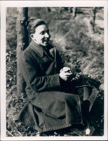 650763 - Brabants Studenten Gilde. Onze Lieve Vrouw van de Goede Duik, Tilburg.  Frans of Kees Mandos op het landgoed Moerle van de familie Van Nunen.