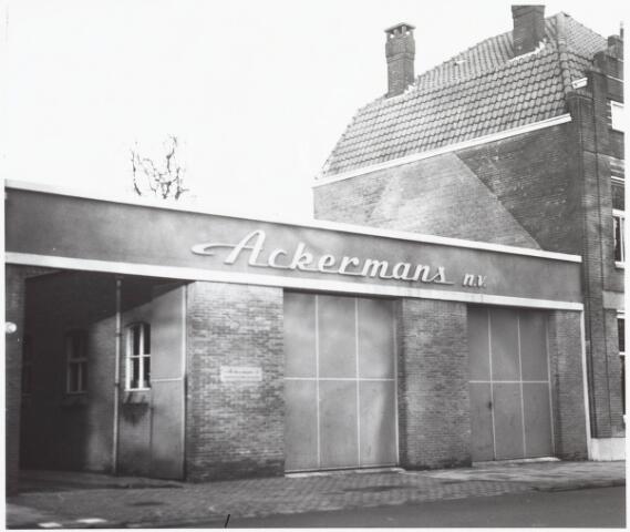 034975 - Voorgevel van het pand van Ackermans N.V. aan het Wilhelminapark 117
