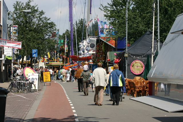 657306 - Tilburg kermis.