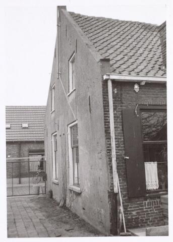 016988 - Zijgevel van het pand Van Bylandtstraat 64